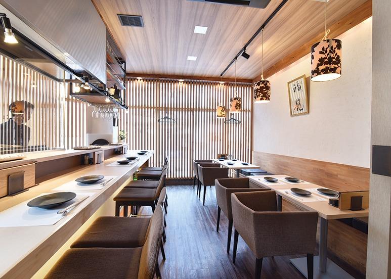 新鮮な伊勢赤鶏の串焼きと刺身、鶏のイメージが変わる注目店!福籠ふくろう(奈良市)