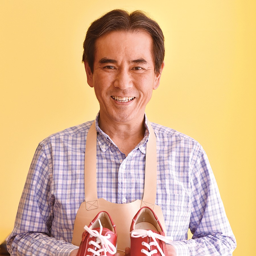 健康靴専門店 /生駒市。Arco アルコ。歩きながら、足裏のアーチを保つ 健康靴で、痛みのない生活へ。実は、加齢による足のトラブルのほとんどが、土踏まず(アーチ)の低下が原因とされる。足裏での衝撃吸収率が落ち、その負担が足・腰にかかり疲れやすくなるから。土踏まずを適切にサポートする健康靴で、歩きながら、痛みのない生活を手に入れませんか?