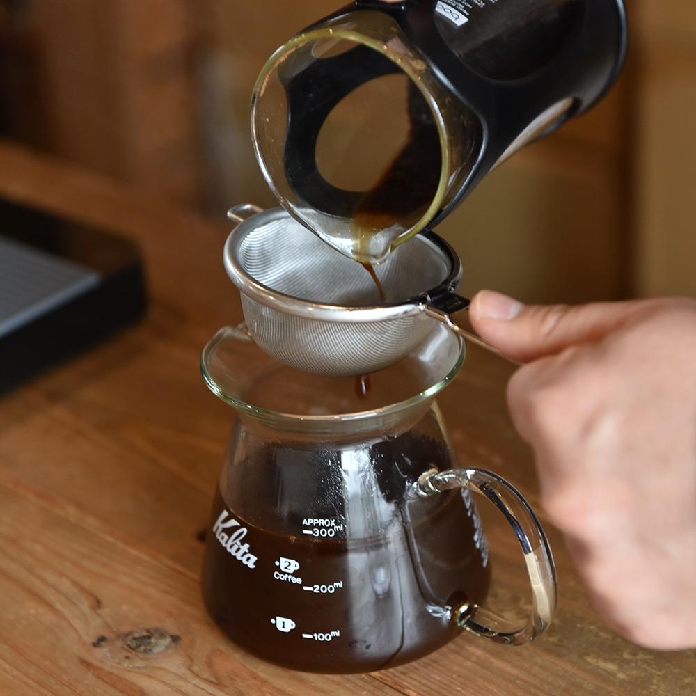"""橿原市、KOTO COFFEE ROASTERS、コト コーヒー ロースターズ、 JCRC※1 2019で日本一に輝いたロースタリー。浅煎りから中深煎りのシングル5種、ブレンド1種は高品質なスペシャルティコーヒーの味と香りを楽しめる。器具を選ばす、手軽に豆のうま味を抽出できる""""浸漬式""""のディップスタイルコーヒーもオススメ。"""
