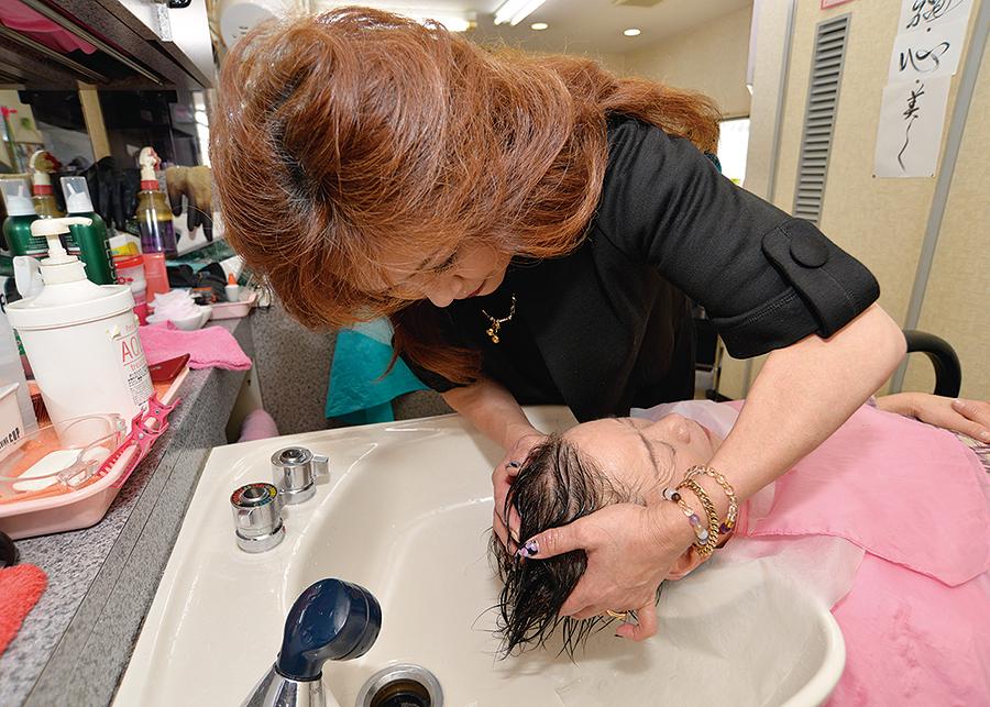 美容おしみ(E STYLE MASADA)奈良県葛城市の美容室。5歳若く、美しいスタイル提案。頭皮・頭髪の悩みもおまかせ!
