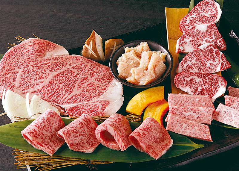 特選焼肉セット 6,800円(2~3人前) 上ロース・上カルビ・本日のオススメ焼肉・上ハラミ・上ミノ・海鮮焼・焼野菜・チシャ