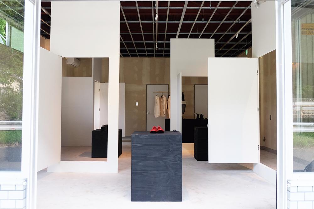 2009_doors2