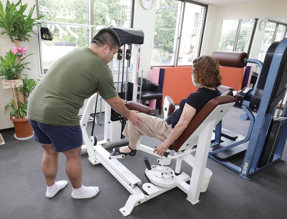 足腰・背・首等の筋肉強化に効果的な厳選マシン完備